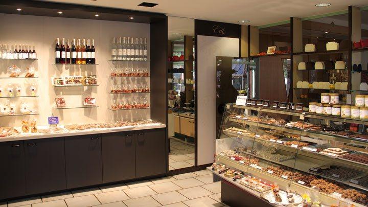 Innenansicht des Café Ertl in Steppach